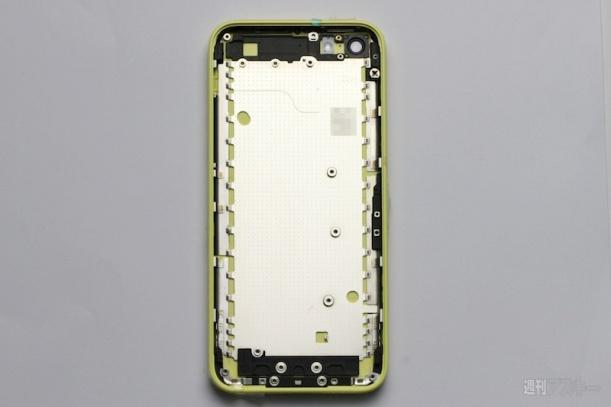 yellow_plastic_iphone_inside